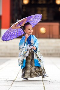 七五三写真 - 小道具の和傘を使って
